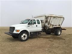2000 Ford F650 Feed Truck