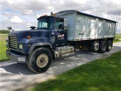 1997 Mack RD690S Tri/A Grain Truck