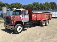 1984 Ford 9000 T/A Truck W/Mohrlang XHD-22 Manure Spreader