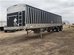 2004 Cornhusker Ultra-Lite 800 Spread T/A Grain Trailer