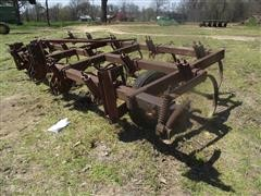 International 12' 3 Pt  Chisel Plow