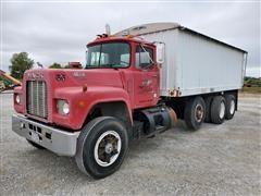 1988 Mack RD690S Tri/A Grain Truck