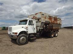 1994 International 4900 T/A Feed Mixer Truck