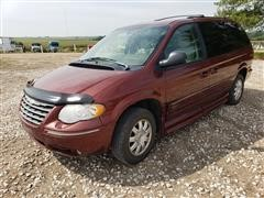 2007 Chrysler Town & Country Touring Handicap Accessible Minivan