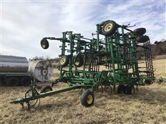 John Deere 2210 Soil Manager Field Cultivator