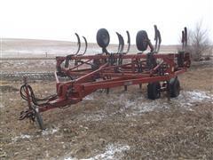 Case IH 5700 Chisel Plow