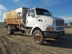 1997 Ford Louisville L8513 Rotomixer Feed Truck