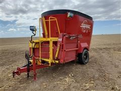 Supreme 700T Feeder Wagon