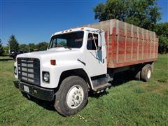 1980 International 1854 Grain Truck