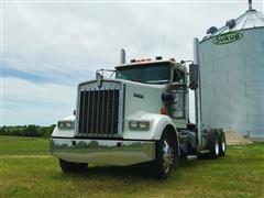 2000 Kenworth W900L 5 Window T/A Truck Tractor