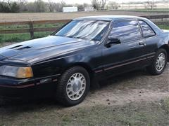1988 Ford Thunderbird 2 Door Coupe