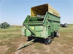 John Deere 125 Chuck Forage Wagon