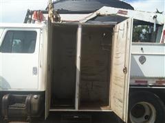 items/b60aa7640319e41180be00155de252ff/2000ihnavistar4700truck