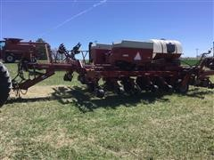"Case IH 955 16R30"" Cyclo Air Front Folding Planter"