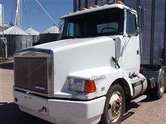 1994 White/GMC Aero WCA T/A Truck Tractor