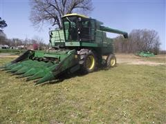 John Deere 8820 Turbo Combine W/ 6 Row Corn Head