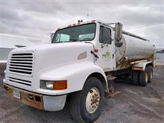 1990 International 8200 T/A Fuel Truck