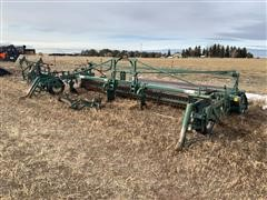 2006 Picket C8030-2-A-E 8-Row Bean Puller/Windrower