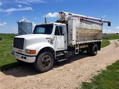 1991 International 4700 S/A Bulk Feed Truck