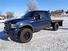2005 Ford F250 XLT Super Duty Extended Cab 4x4 Flatbed Pickup