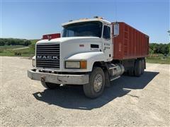 1990 Mack CH613 T/A Grain/Silage Truck