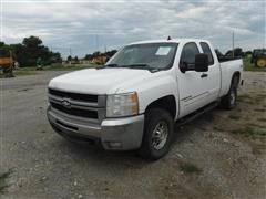 2008 Chevrolet 2500 HD 4x4 Extended Cab Pickup