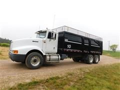 1994 International 9400 T/A Silage/Grain Truck