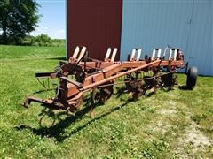 International 720 5X18 Plow