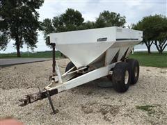 Willmar 600 Fertilizer Spreader