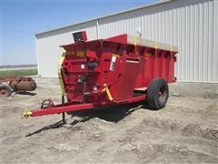 2010 Schuler Mfg HF295 Feeder Wagon