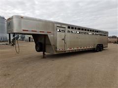 2004 Featherlite 8120-7030 T/A 30' Aluminum Livestock Trailer
