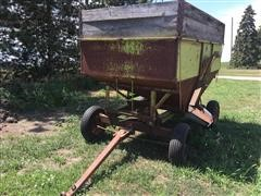 Parker J2130 4 Wheeled Gravity Wagon