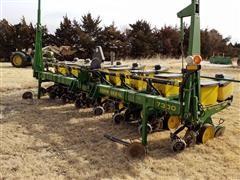 John Deere 7300 8R30 Planter