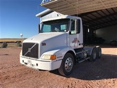 2002 Volvo T/A Day Cab Truck Tractor