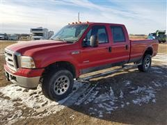 2005 Ford SRW F350 Super Duty 4WD Crew Cab Pickup Truck
