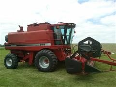 1995 Case International 2166 Combine