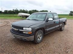 2001 Chevrolet 1500 4x4 Extended Cab Pickup