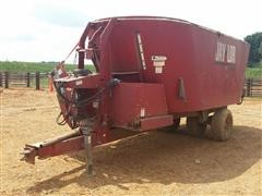 Jaylor 4650 Vertical Feed Mixer Wagon