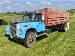 1974 International Loadstar 1800 Grain Truck