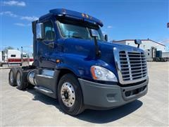 2013 Freightliner Cascadia CA125 T/A Day Cab Truck Tractor