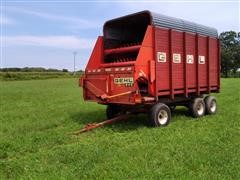 Gehl BU940 Forage Box W/EZ Trail 1274 Running Gear