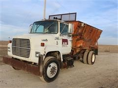 1989 Ford L9000 S/A Feed Truck