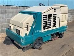 Tennant 8210ES LP Ride-On Sweeper/Scrubber/Dryer