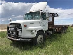 1989 Ford L9000 T/A Truck W/Bale Bed