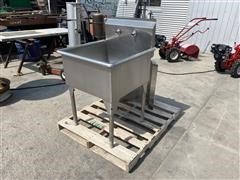 Stainless Steel Wash Sink W/Counter Attachment