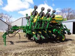 "2015 John Deere 1795 MaxEmerge 5, 24R15"" Planter W/Row Command"