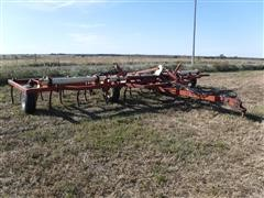 Krause 2350 26' Folding Chisel Plow