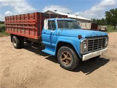 1974 Ford F703 Grain Truck
