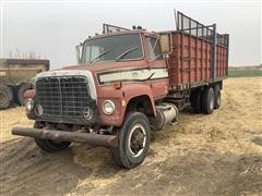 1978 Ford LT8000 T/A Grain/Silage Truck (INOPERABLE)