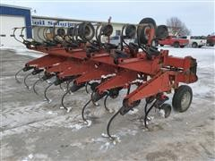 Case IH 1830 Row-Crop Cultivator